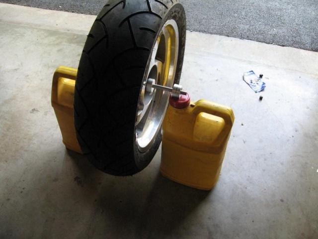 Balancing wheels using a ball/golfball Balanc11