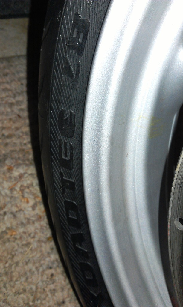 Fitting Metzeler Z8 Roadtec Tyres Imag0231