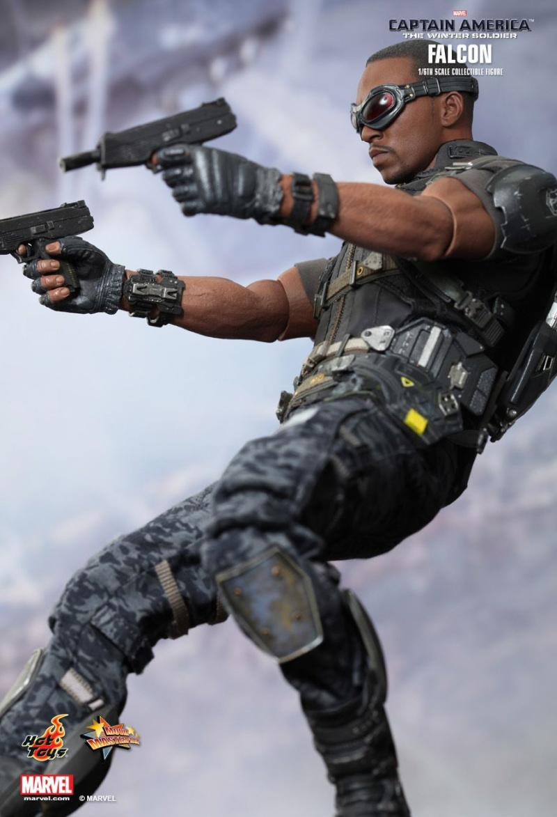 HOT TOYS - Captain America: The Winter Soldier - Falcon Mms24535