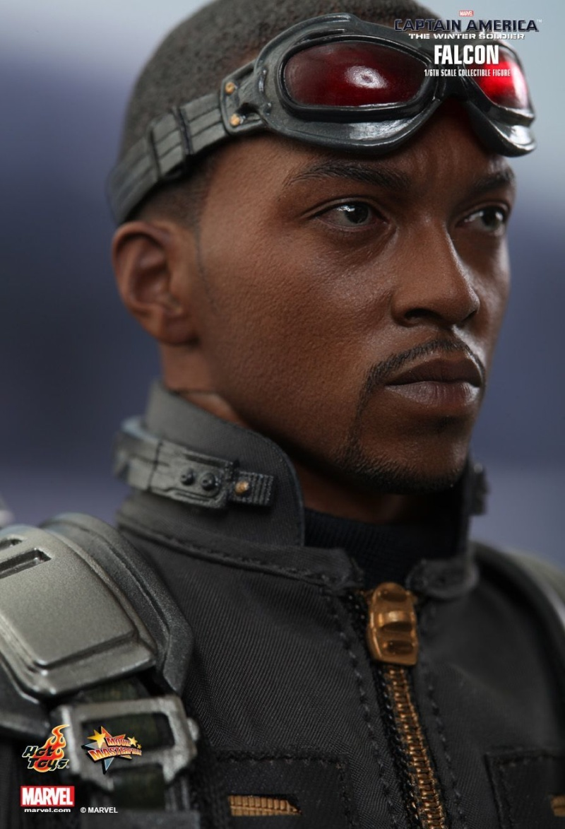 HOT TOYS - Captain America: The Winter Soldier - Falcon Mms24539