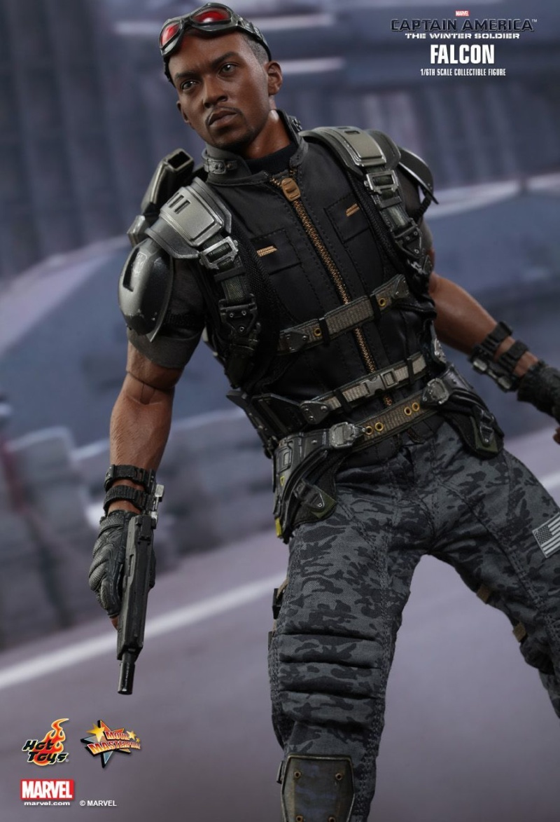 HOT TOYS - Captain America: The Winter Soldier - Falcon Mms24541