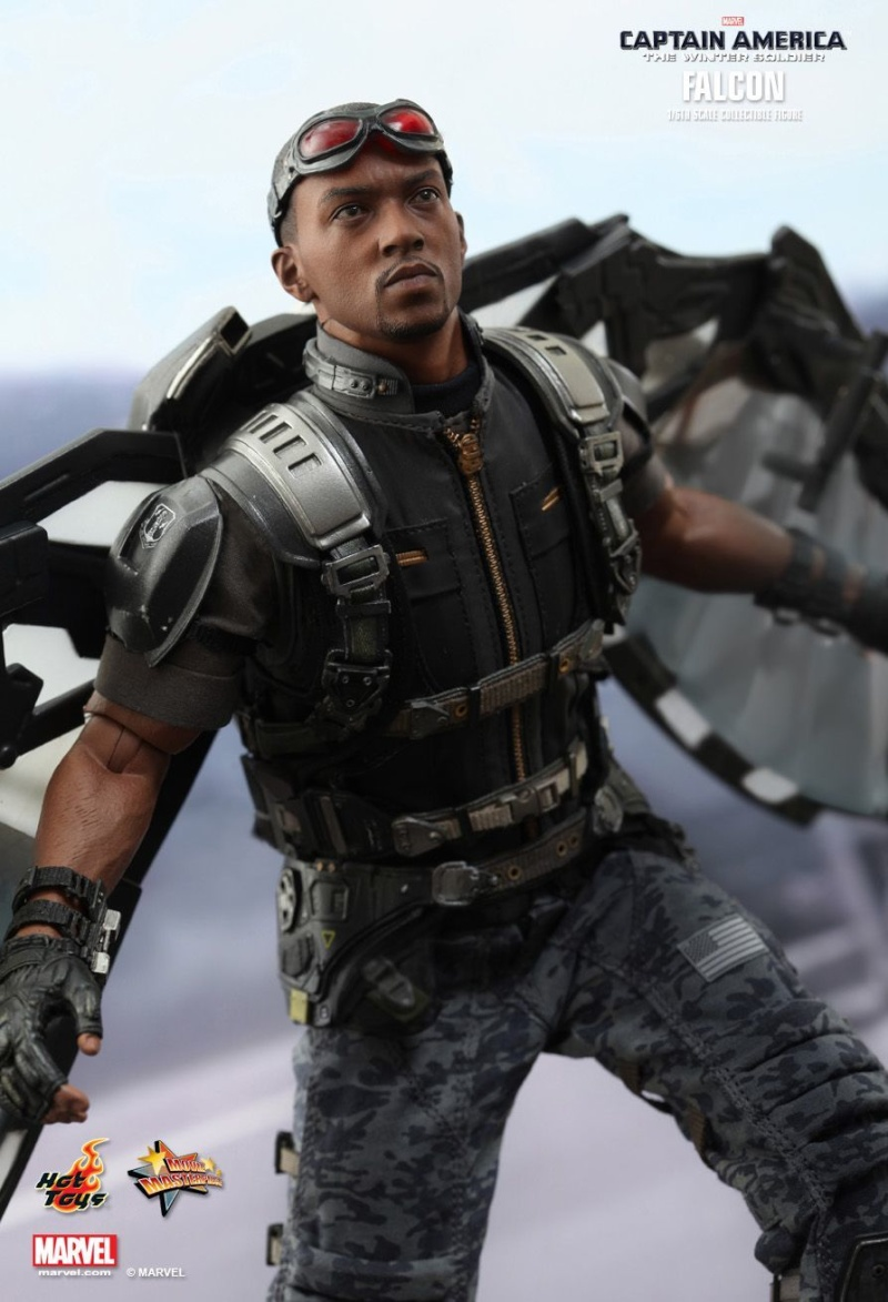 HOT TOYS - Captain America: The Winter Soldier - Falcon Mms24542
