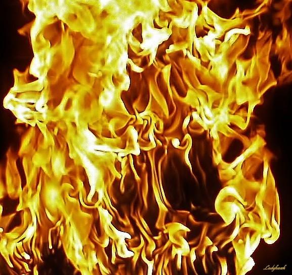 les flammes de l'enfer.. P8029810