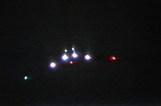 2014: le 12/03 à 22h12 - Lumière étrange dans le ciel  - Toulouse - Haute-Garonne (dép.31) Ai-pl-11