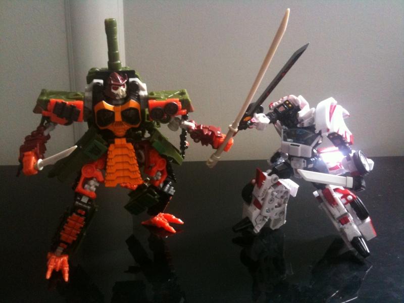 Guerres Transformers! Montrez-moi vos batailles et guerres épiques en photo ici. - Page 5 Img_3726