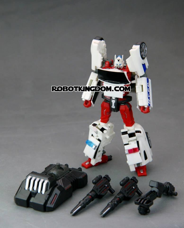 [TFC Toys] Produit Tiers - Jouets Prometheus (aka Protectobots - Defensor/Defenso) Street14