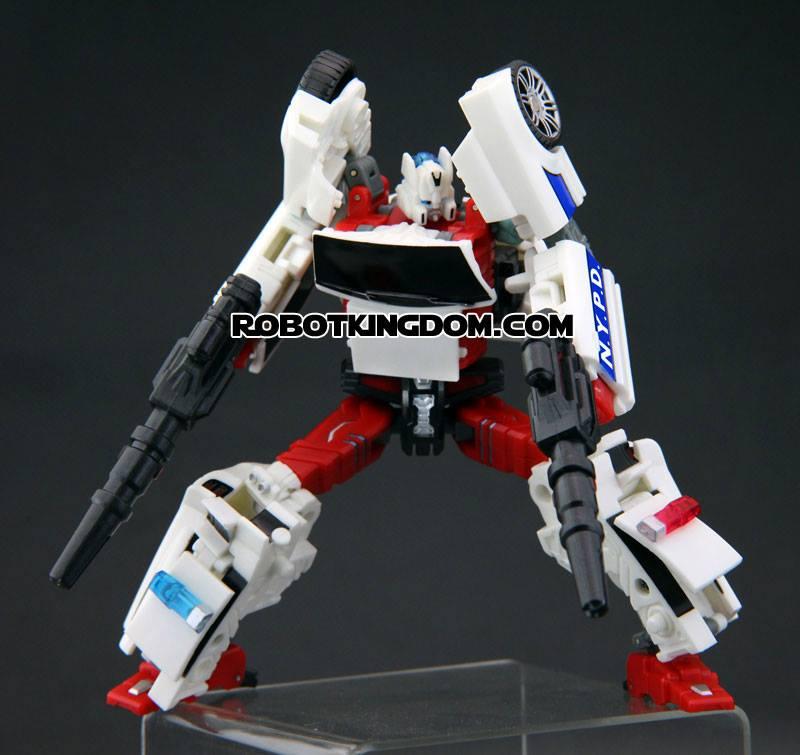 [TFC Toys] Produit Tiers - Jouets Prometheus (aka Protectobots - Defensor/Defenso) Street15