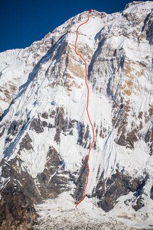 Ueli Steck da solo in vetta all'Annapurna La-sal10