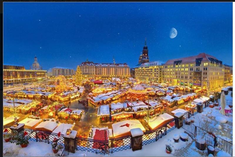 Our Amazing World - Christmas around the World Amazin18