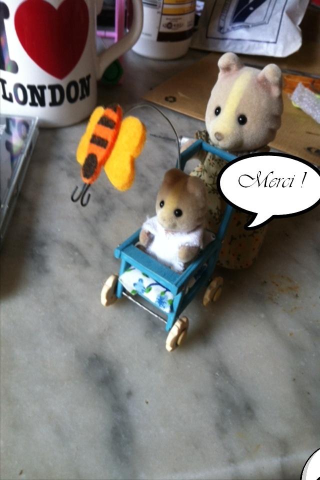 Bricolonours - Elle voulait une poussette pour son bébé lapinou... Pousse24