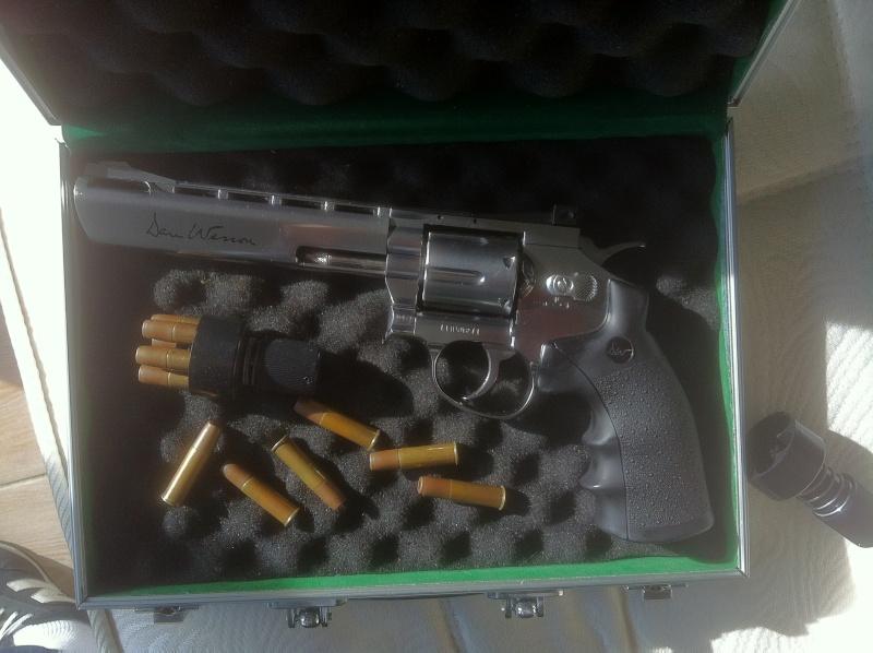 Les armes de Pat maj Img_6912