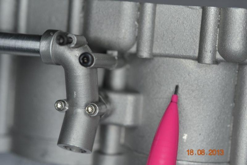 Construction du Rolls-Royce Merlin à l'échelle 1/4 - Page 2 100_8011