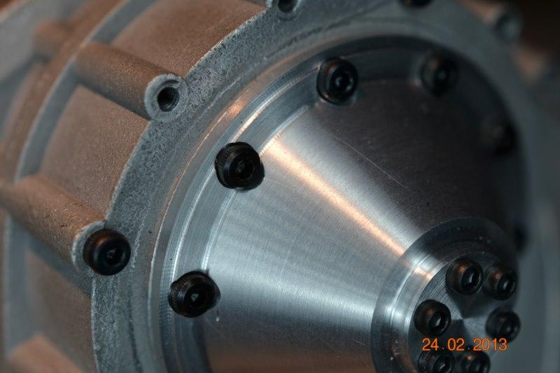 Construction du Rolls-Royce Merlin à l'échelle 1/4 - Page 2 77_80010