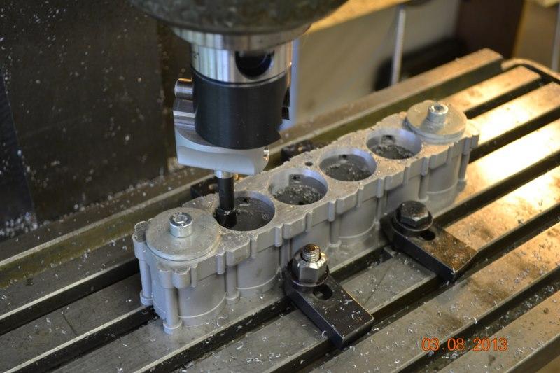 Construction du Rolls-Royce Merlin à l'échelle 1/4 - Page 2 92_80010