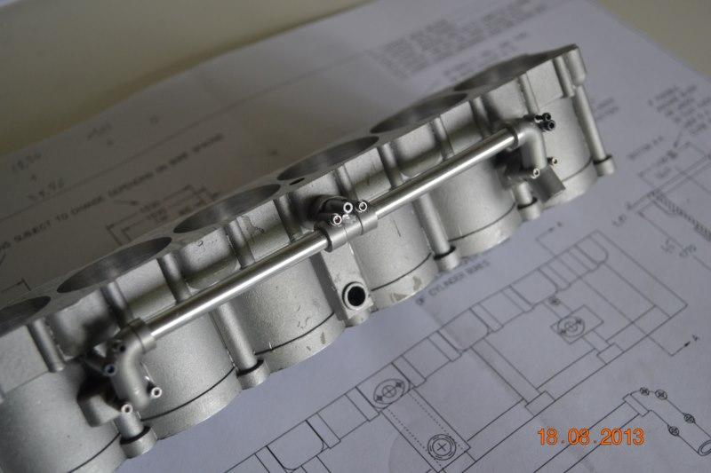 Construction du Rolls-Royce Merlin à l'échelle 1/4 - Page 2 98_80010