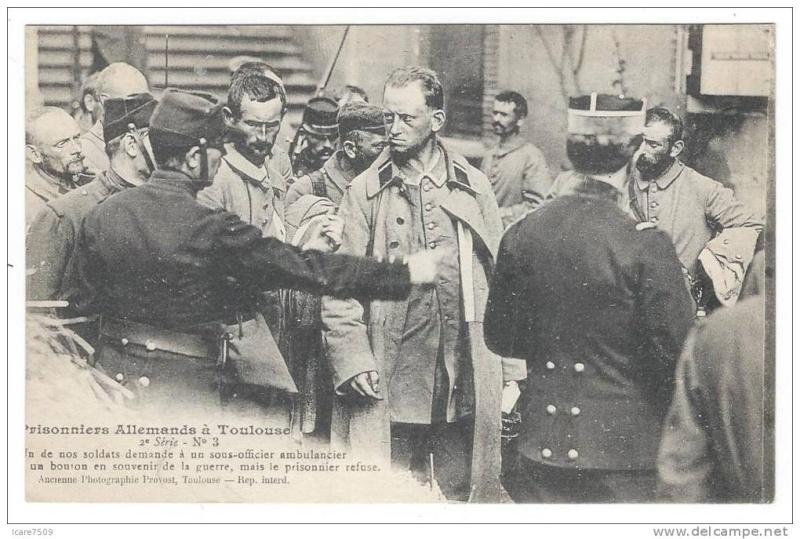 Bouton d'uniformes militaires et autres.. 247_0010