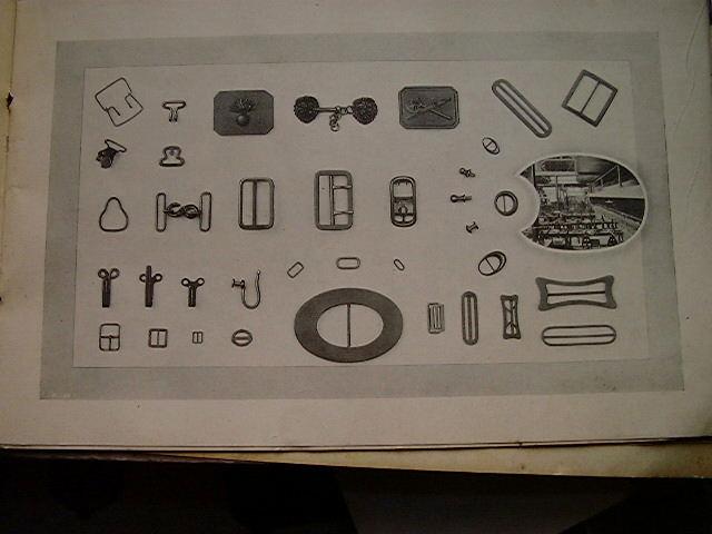 Atypique, des matrices de fabiquation d'insignes, de boutons et autres... - Page 2 Elimex15