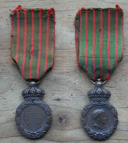 Les rubans de la médaille de Sainte Hélène. Horlog10