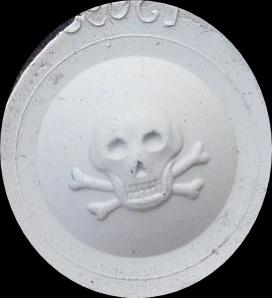 Bouton d'uniformes militaires et autres.. Skull10