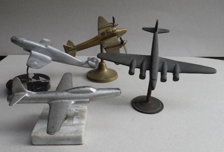 Maquettes en métal d'avions anciens. Vliegt10