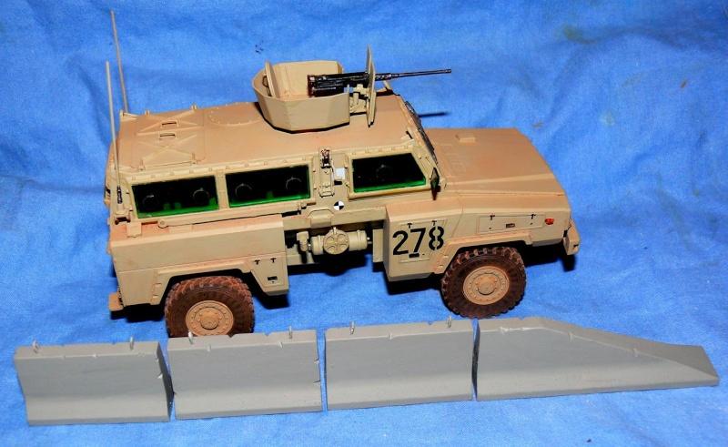 RG 31 MK3 US ARMY MINE-PROTECTED ARMORED PERSONNEL CARRIER de Kinétic au 1/35 ème Photo730
