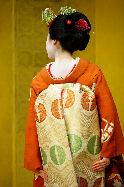 Tracking down maiko/geisha who wore your hikizuri! Umeyae10