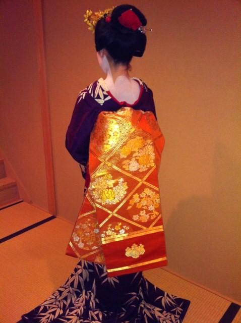Tracking down maiko/geisha who wore your hikizuri! Umeyae11