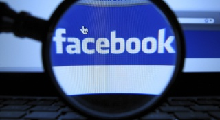 Brasileiro ganha quase R$ 80 mil por descobrir falha grave no Facebook. Facebo10