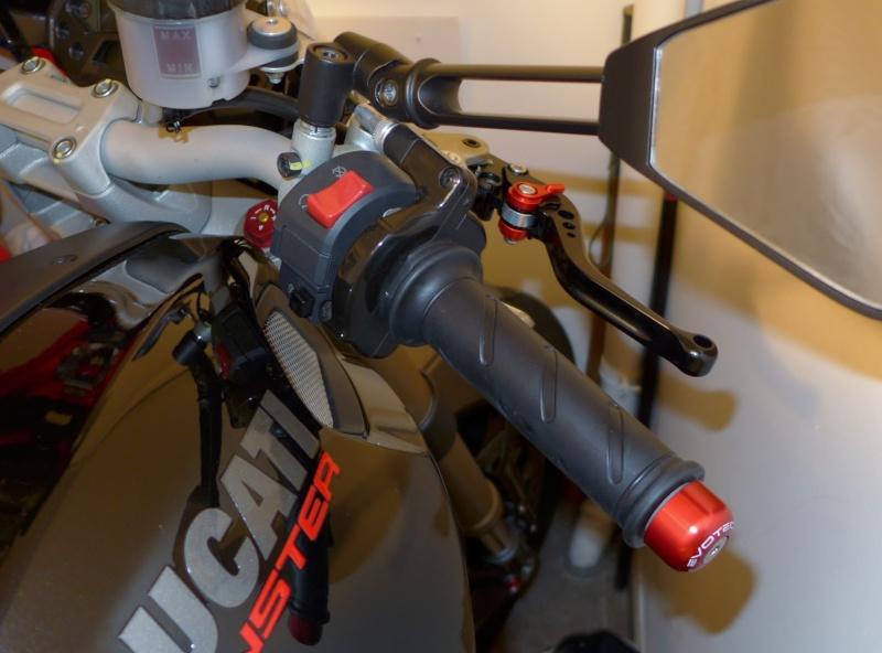 TUTO:remplacer ses leviers de frein et d'embrayage par des leviers Rizoma P1000813
