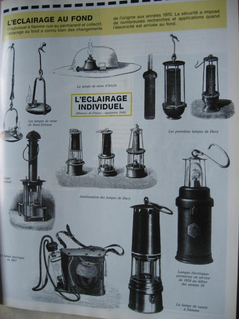 lampes de mineurs,  divers objets de mine, outils de mineur et documents  00318