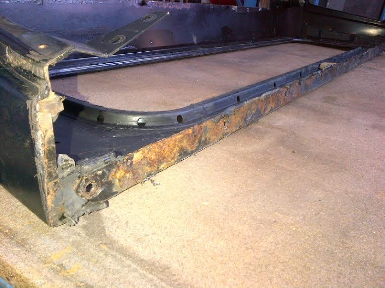 Recherche de toit pour Hummer H1  Unname10