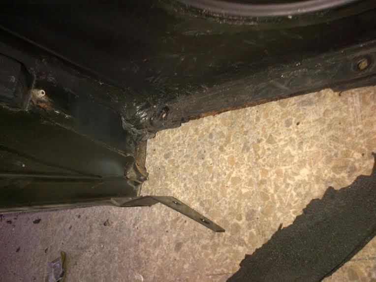 Recherche de toit pour Hummer H1  Unname11