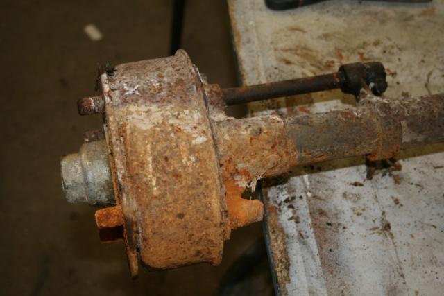 Extracteur de volant moteur et extracteur de tambour de frein Img_3212