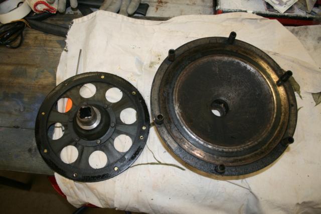 Extracteur de volant moteur et extracteur de tambour de frein Img_3318