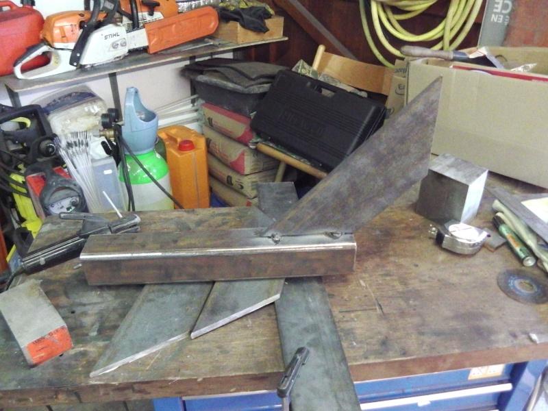 fabrication chandelles pour Unimog 00519
