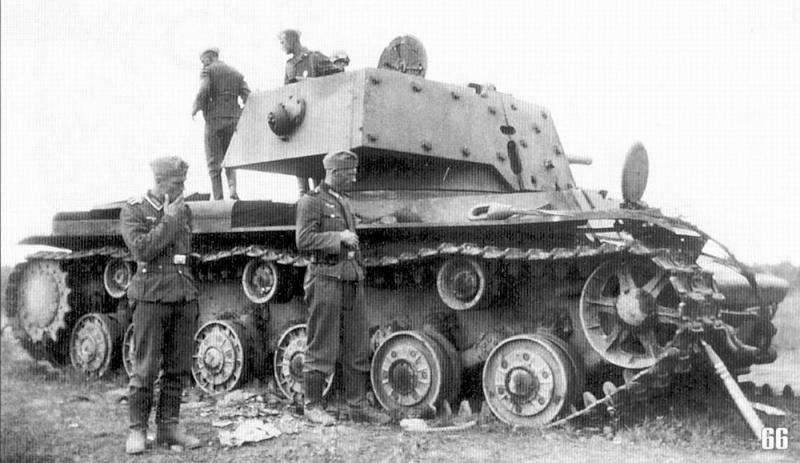 KV1 Tank - Just pull forward 2 feet ! M66_kv10