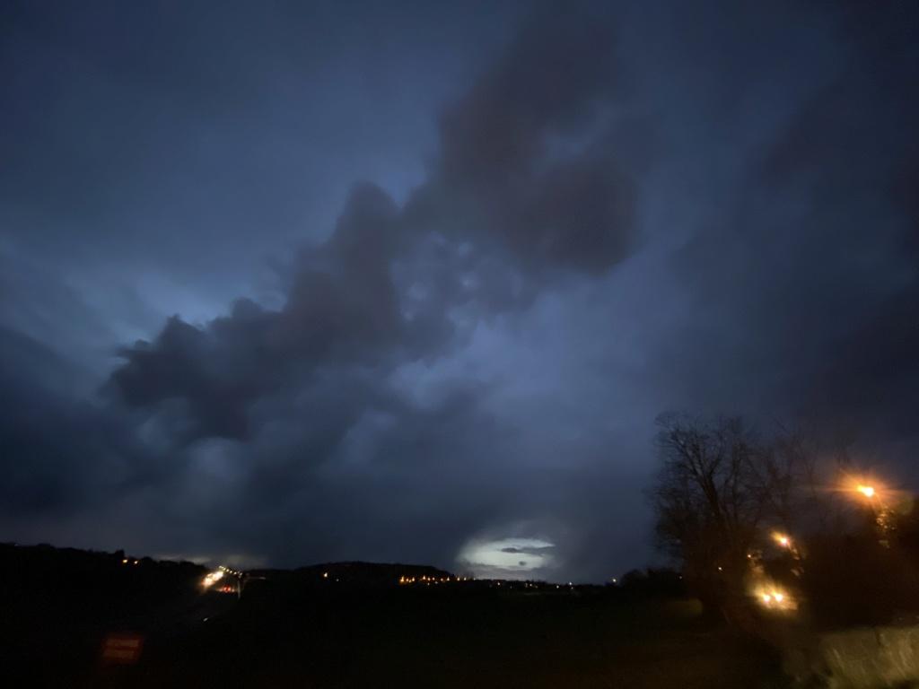 Ce soir ciel sombre Img_5910
