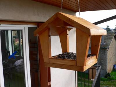 réalisation d'une mangeoire pour oiseaux Mangeo10