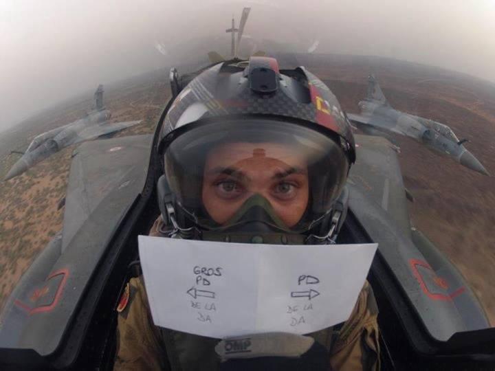 Humour aéronautique - Page 4 54772410