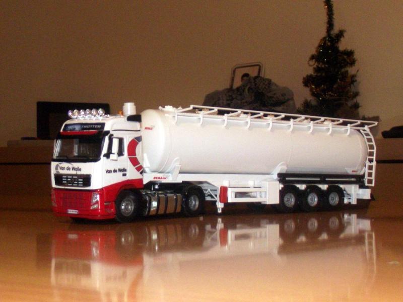 Miniatures camions 1/50 et 1/43 de David 36. - Page 6 Dscf7210