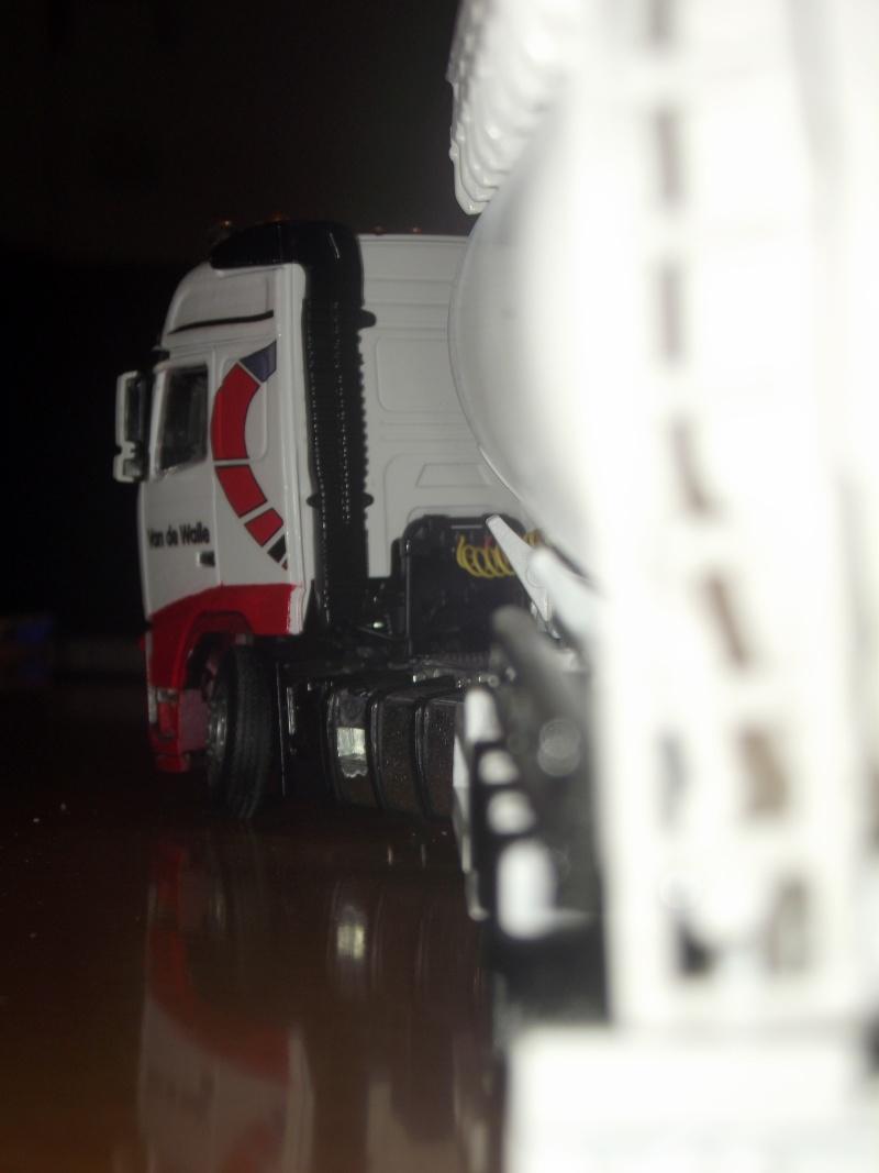 Miniatures camions 1/50 et 1/43 de David 36. - Page 6 Dscf7213