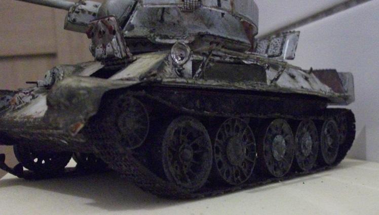 AFV T34/76 Model 1942/43 Factory N°.183  - Page 4 Dscf0030