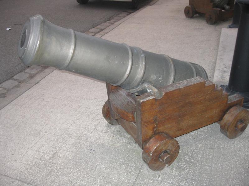 Les canons de marine de l'école militaire Octobr12