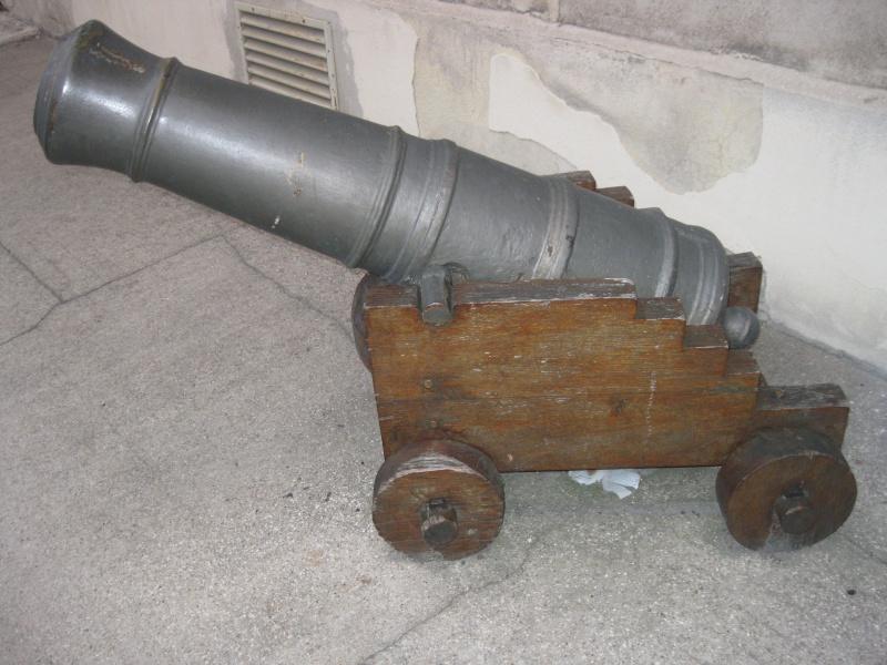 Les canons de marine de l'école militaire Octobr18