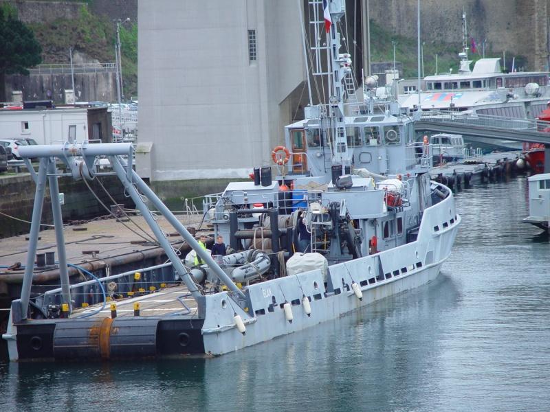 [Les ports militaires de métropole] Port de BREST - TOME 2 - Page 5 Dsc00215