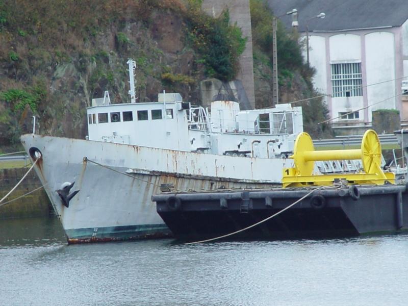 [Les ports militaires de métropole] Port de BREST - Page 5 Dsc00219