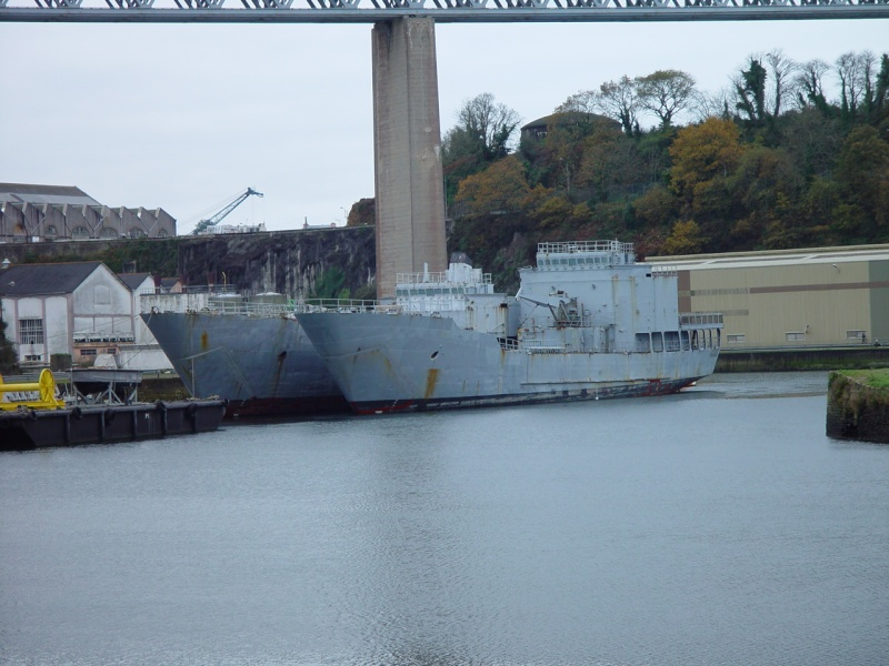 [Les ports militaires de métropole] Port de BREST - Page 5 Dsc00221