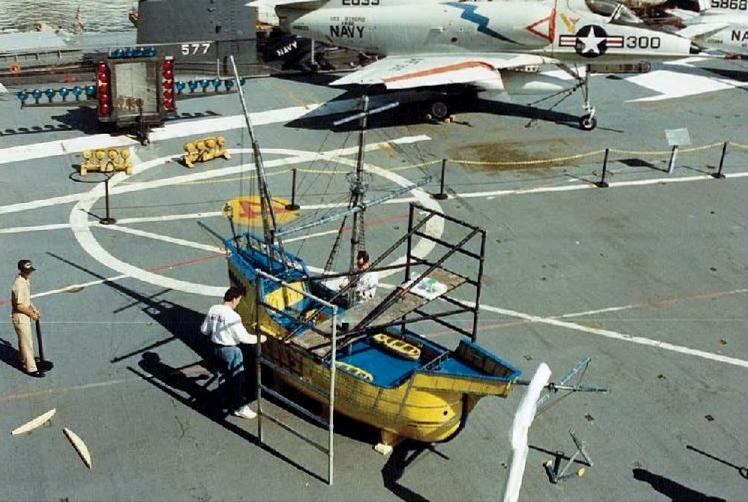 Visite de l'USS INTREPID EN 1992 Img-9220