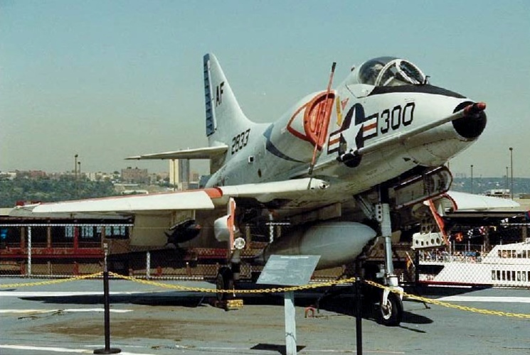 Visite de l'USS INTREPID EN 1992 Img-9227
