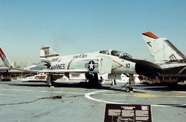 Visite de l'USS INTREPID EN 1992 Img-9228